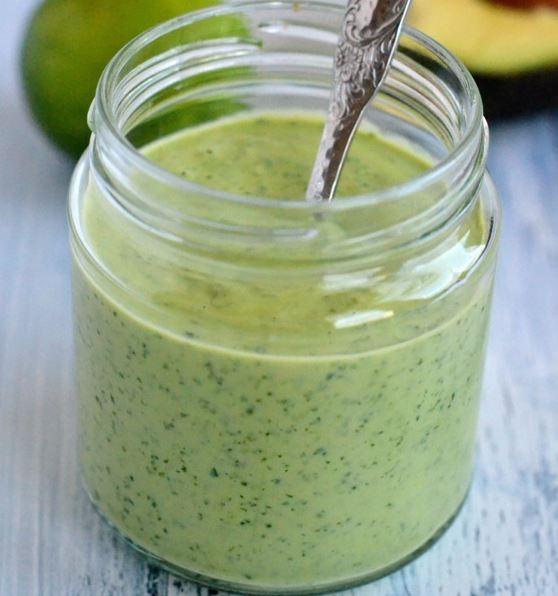 Prepara receta de aderezo de cilantro sin yogurt
